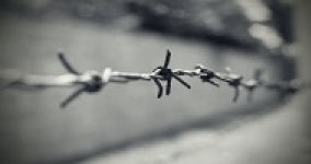 close picture of barbed wire